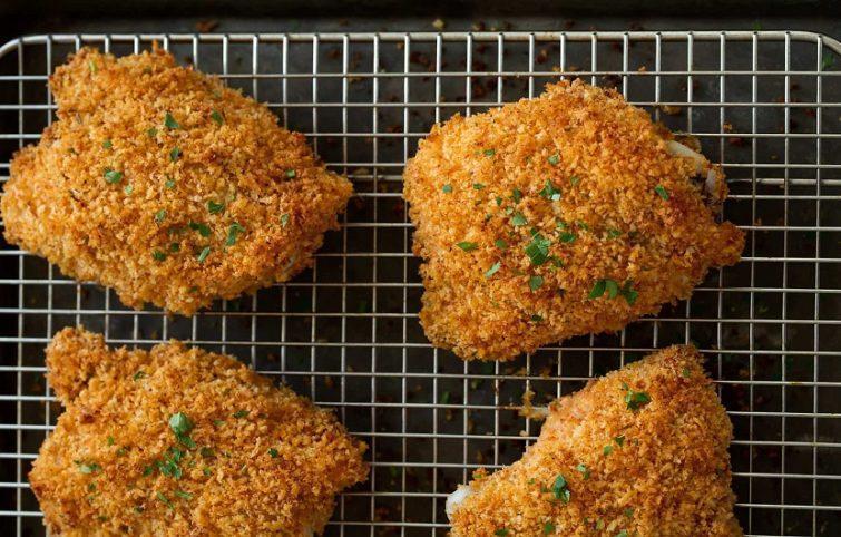 طرز تهیه مرغ سوخاری در فر با کمترین مقدار روغن و طعم و رنگی عالی