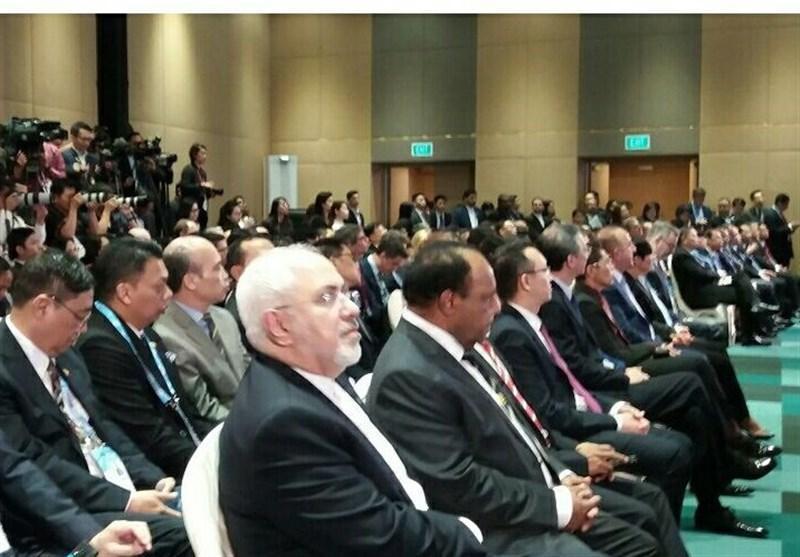 ظریف در نشست وزرای خارجه آسه ان در سنگاپور شرکت کرد
