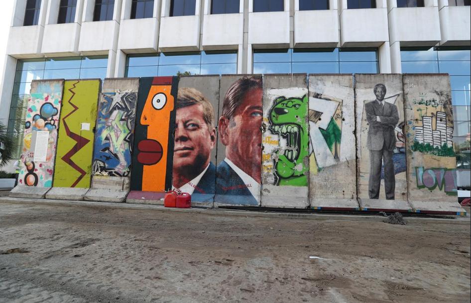 سقوط دیوار برلین 30 ساله شد، سوغاتی برلین: یک قطعه از دیوار (