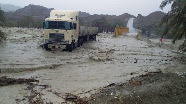 ارسال اقلام امدادی همدان برای سیل زدگان سیستانی