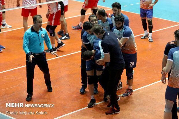 داور ایرانی در مسابقات در باشگاه های والیبال آسیا قضاوت می نماید
