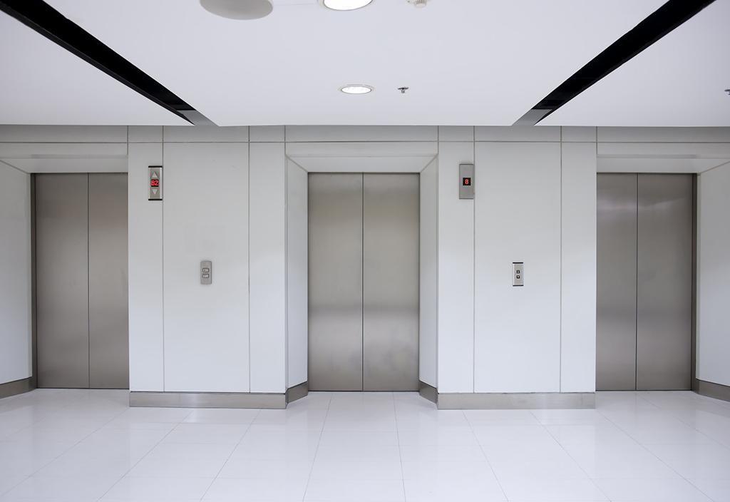 آسانسور چه تأثیری بر قیمت آپارتمان دارد؟