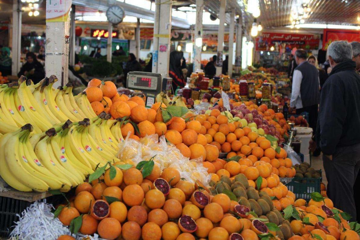 عوارضی که مصرف بیش از حد میوه ها برای شما دارد