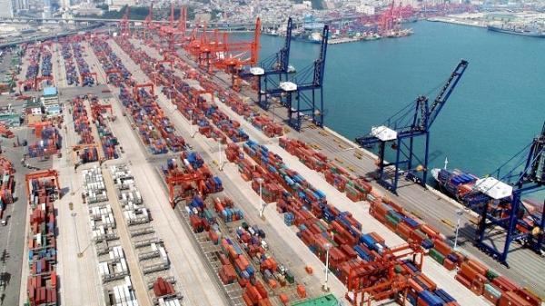 بازرگانان با پرداخت 30 درصد تعهدات ارزی از تعلیق خارج می شوند