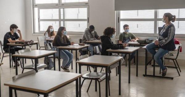 خبرنگاران اختلافات مقامات بهداشتی آمریکا در بازگشایی مدارس بالا گرفت