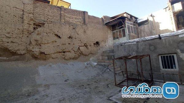 شرایط نامناسب حصار 500 ساله طهماسبی در دل بازار تهران