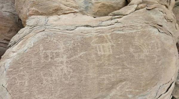 کشف 70 سنگ نگاره در منطقه سنجه باشی محلات