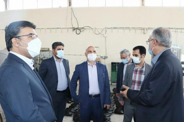 بازدید معاون استاندار تهران از کارخانه فراوری کفش تمام چرم ایرانی در قرچک