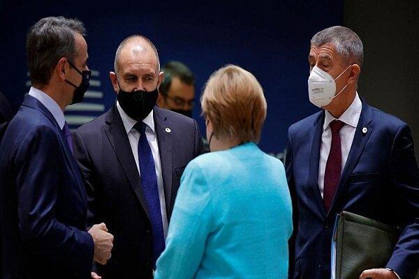 مخالفت رهبران اروپا با پیشنهاد مرکل و ماکرون برای ملاقات با پوتین