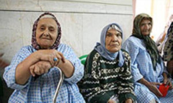 چرا ستون فقرات سالمندان خمیده می گردد؟